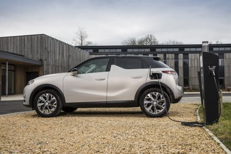 Video Review: DS DS 3 Electric Crossback Hatchback 100KW E-Tense Performance Line 50KWH 5dr Auto