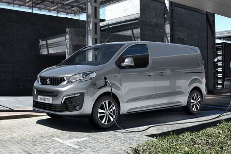 Video Review: Peugeot E-Expert Long 1000 100KW 75KWH Professional VAN Auto