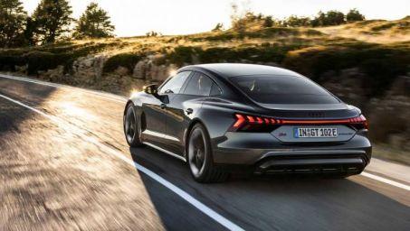 Image 1: Audi E-Tron GT Saloon 390KW Quattro 93KWH 4dr Auto [C+S]