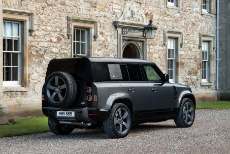 Image 1: Land Rover Defender Estate Special Editions 3.0 D250 XS Edition 90 3dr Auto