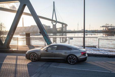 Image 1: Audi RS E-Tron GT Saloon 475KW Quattro 93KWH Carbon Vorsprung 4dr Auto