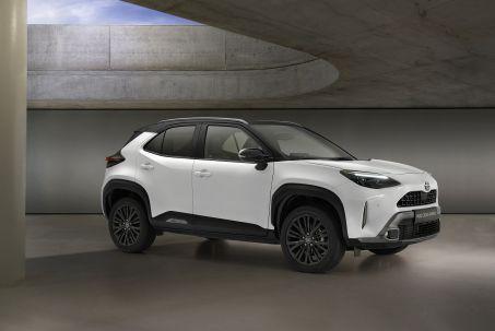 Image 1: Toyota Yaris Cross Estate 1.5 Hybrid Icon 5dr CVT