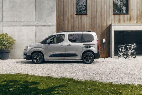 Image 1: Citroen E-Berlingo Electric Estate 100KW Flair XTR M 50KWH 5dr Auto