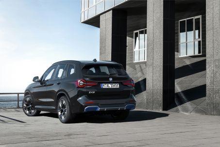 Image 1: BMW IX3-E Electric Estate 210KW M Sport PRO 80KWH 5dr Auto